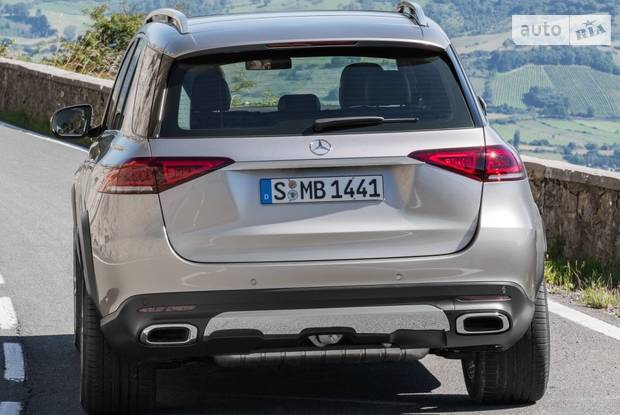 Mercedes-Benz GLE-Class base
