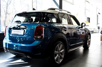 MINI Countryman Cooper 1.5 AT (136 л.с.)  2017