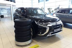 Mitsubishi Outlander 2.4 CVT (167 л.с.) 4WD 7s Instyle 2019