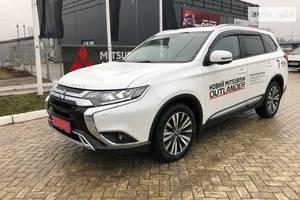 Mitsubishi Outlander 2.4 CVT (167 л.с.) 4WD 7s Ultimate 2019
