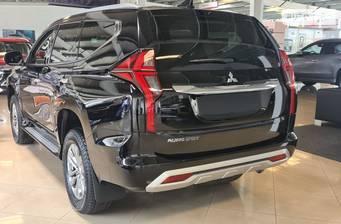 Mitsubishi Pajero Sport 2021 Individual