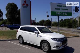 Mitsubishi Outlander PHEV 2.4i AT (135+82+95 л.с.) Hybrid 4WD 2019
