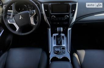 Mitsubishi Pajero Sport 2018 Ultimate