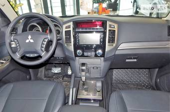Mitsubishi Pajero 3.0 AT (174 л.с.) AWD 2018