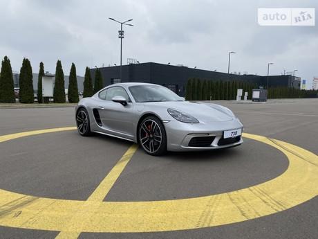 Porsche Cayman 2021