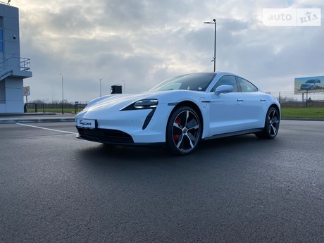 Porsche Taycan 2020