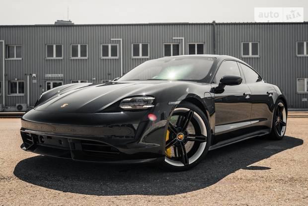 Porsche Taycan Individual