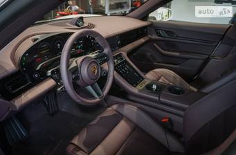 Porsche Taycan 2021