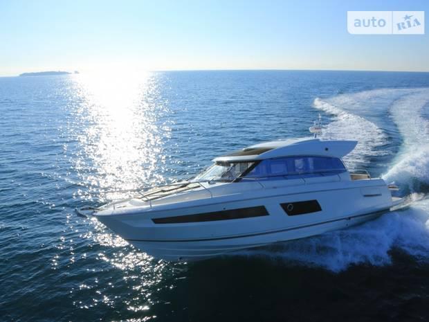 Prestige Yachts Coupe Line