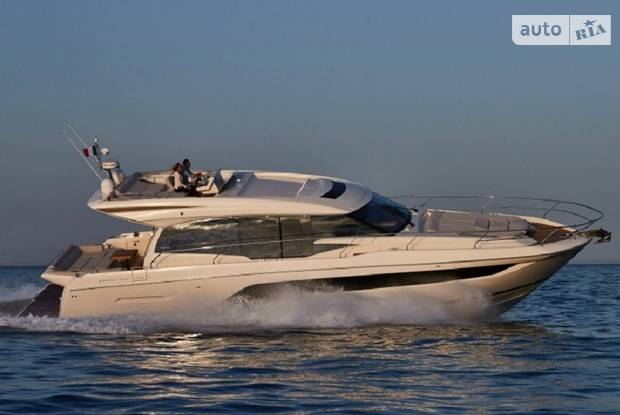 Prestige Yachts Coupe Line
