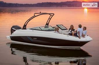 Sea Ray 240 Sundeck 7.4m 2018