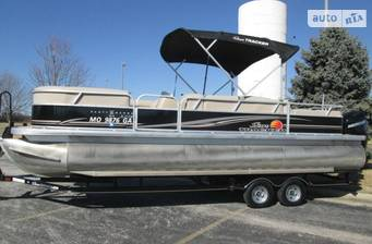 Sun Tracker Party Barge 2021 base