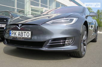 Tesla Model S 2020