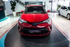 Toyota C-HR 2.0 Hybrid e-CVT (184 л.с.) Active 2020