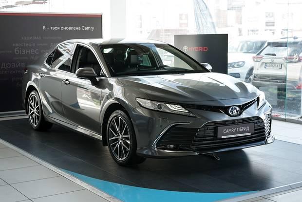 Toyota Camry Premium+