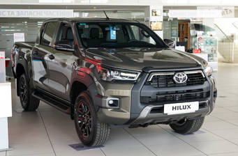 Toyota Hilux 2.8 D-4D AT (204 л.с.) AWD 2020