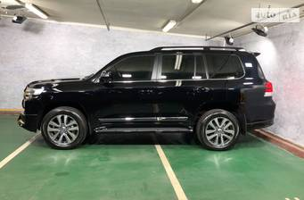 Toyota Land Cruiser 200 2021 base
