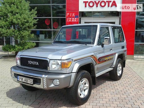 Toyota Land Cruiser 71 2020