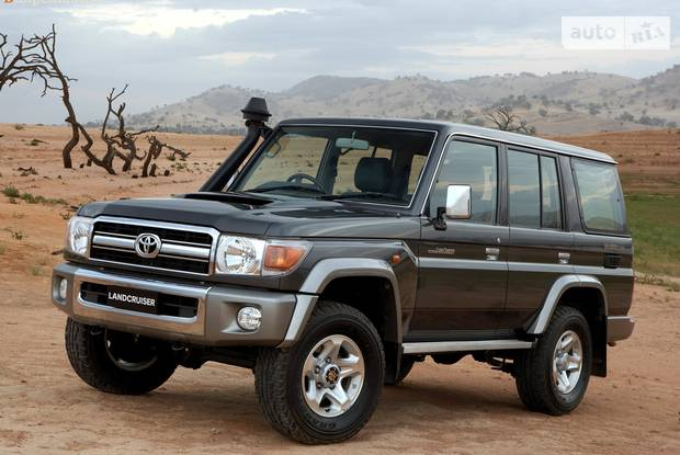 Toyota Land Cruiser 76 70 (рестайлінг) Внедорожник