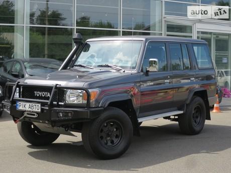 Toyota Land Cruiser 76 2020