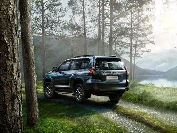 Toyota Land Cruiser Prado Base