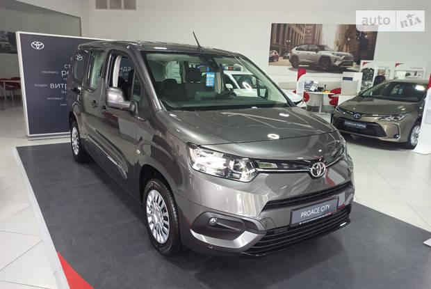 Toyota Proace City Verso Shuttle