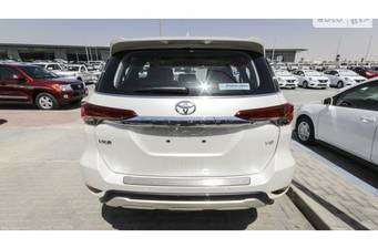 Toyota Fortuner 4.0 AT (240 л.с.) AWD 2018