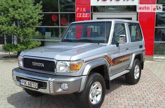 Toyota Land Cruiser 71 3d 4.0 MT (230 л.с.) AWD 2020