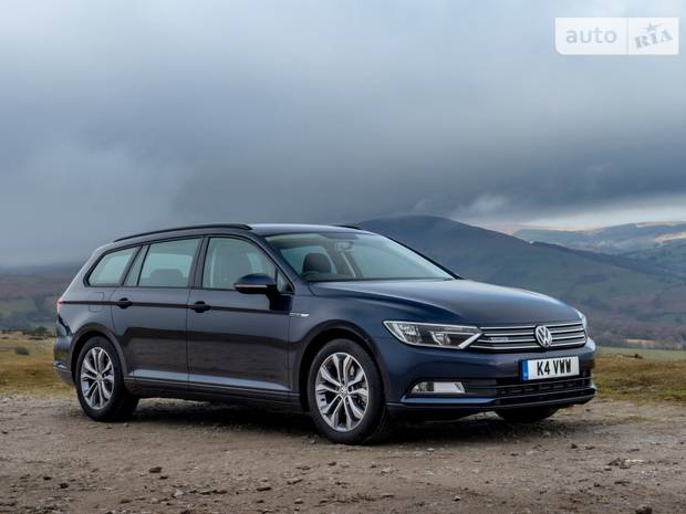 Volkswagen Passat Premium R-Line