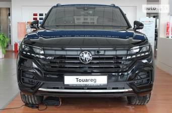 Volkswagen Touareg 2021 V8