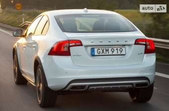 Volvo S60 Сross Country D4 2.0 MT (190 л.с.) Inscription 2018