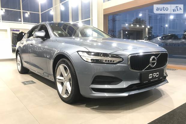 Volvo S90 VED4 Momentum