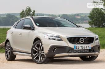 Volvo V40 Cross Country D3 2.0 6AT (150 л.с.) AWD 2017