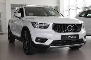 Volvo XC40 T5 2.0 AT (262 л.с.) Inscription 2021