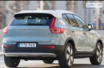 Volvo XC40 D3 2.0 AT (150 л.с.) 2018