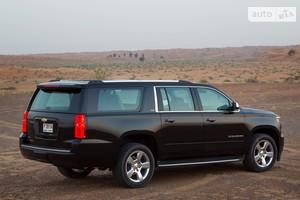 Chevrolet Suburban 6.2i AT (420 л.с.) AWD Premier