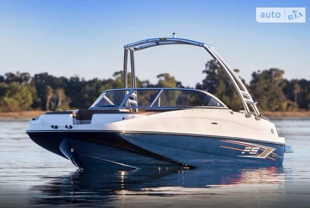 Bayliner Deck Boat 1 поколение Катер