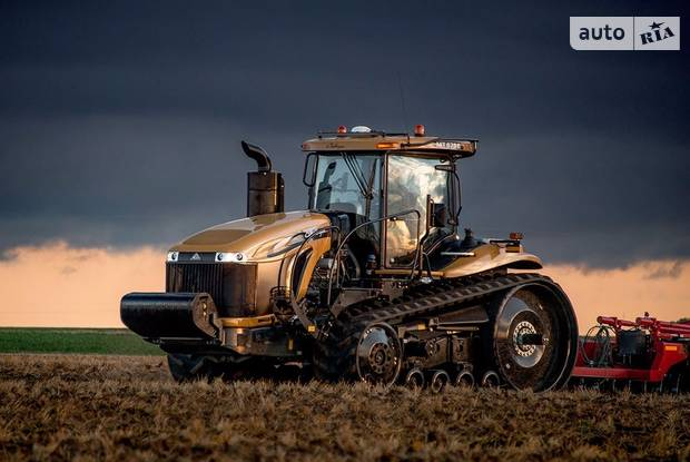 Challenger MT 1 покоління Трактор