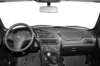 Chevrolet Niva  2013