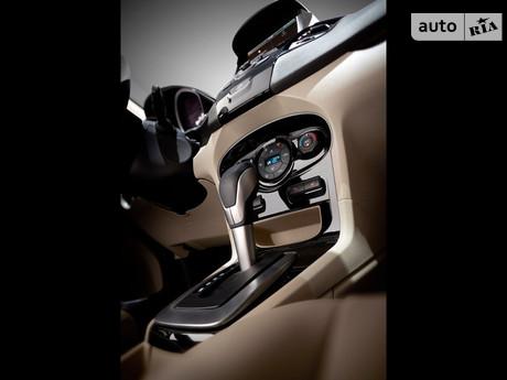 Ford Fiesta 1.25 MT (82 л.с.) 2009
