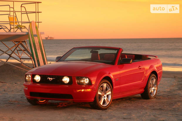 Ford Mustang 5 поколение Кабриолет