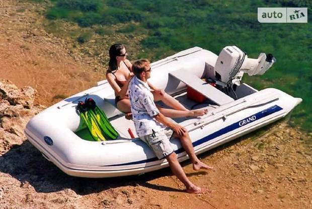 GRAND Corvette І поколение Човен