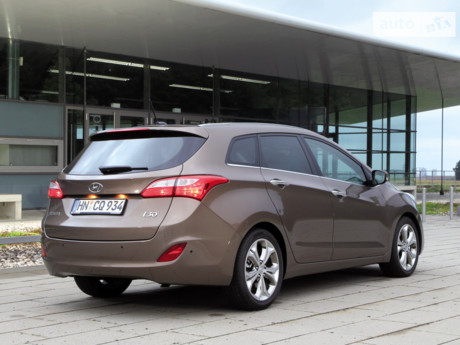 Hyundai i30 1.6D MT (128 л.с.) 2012