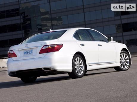 Lexus LS 2005