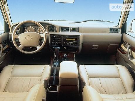Lexus LX 2001
