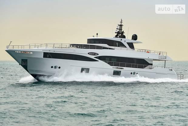 Majesty 100 1-е поколение Яхта
