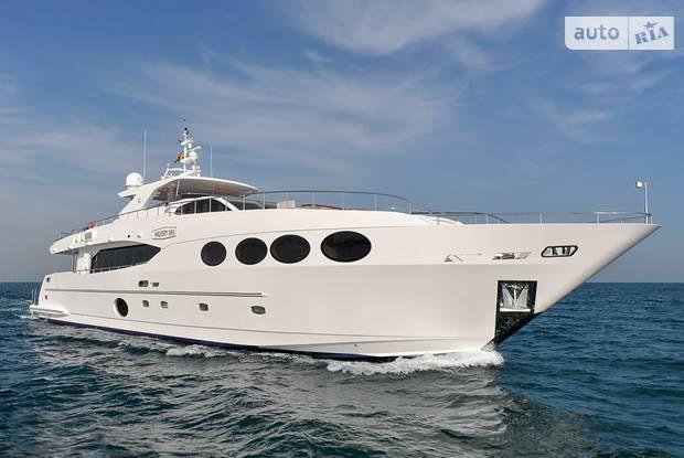 Majesty 105 1-е поколение Яхта