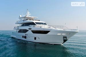 Majesty 110 1-е поколение Яхта