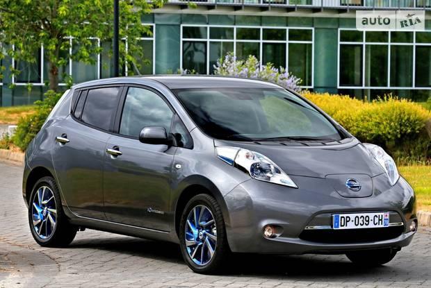 Nissan Leaf 1 покоління (рестайлінг) Хетчбек
