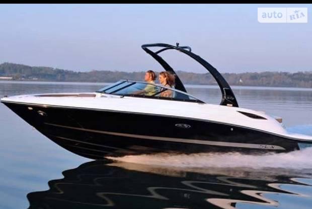 Sea Ray 230 SLX 1-е поколение Катер